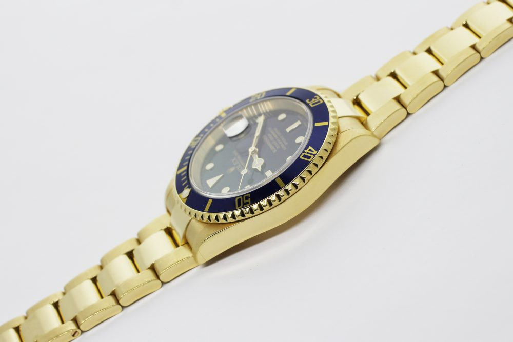 Rolex 18k Yellow Gold Blue Submariner 16618T F Serial