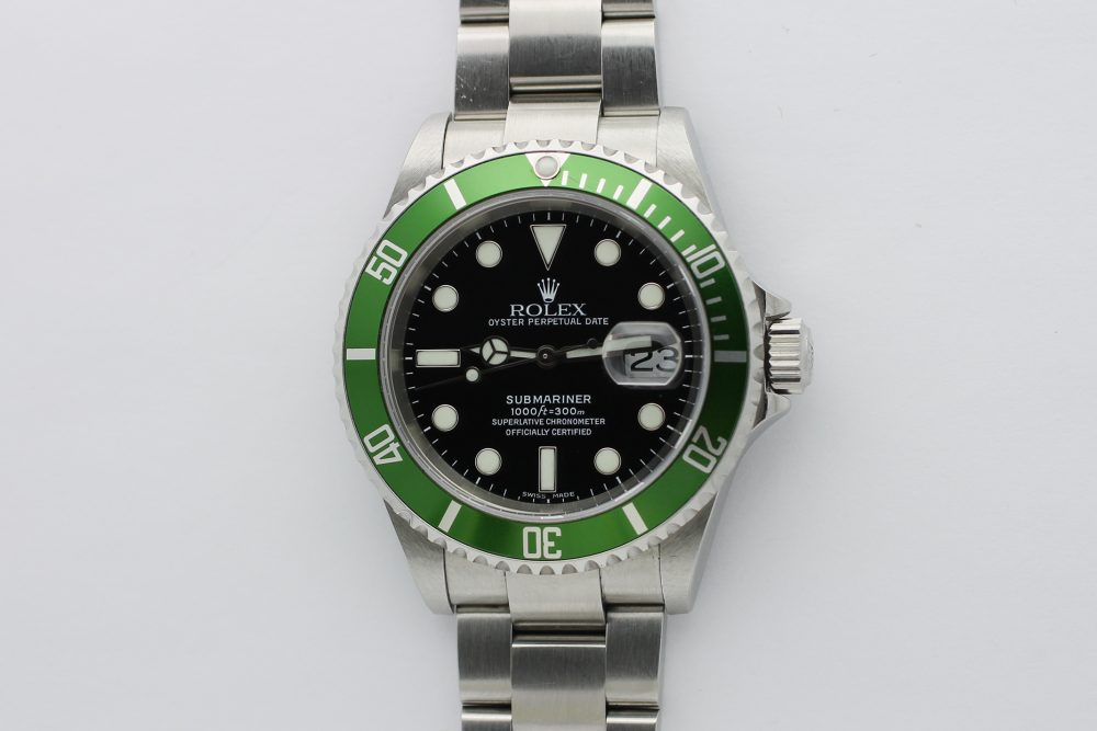 Rolex Steel Anniversary Submariner 16610T with Box & Booklets