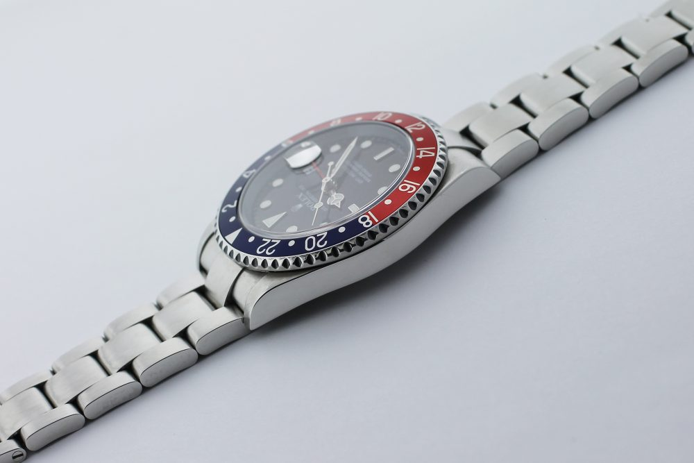 """Rolex Steel GMT-Master II """"Pepsi"""" 16710T Caliber 3186 with Box & Booklets"""