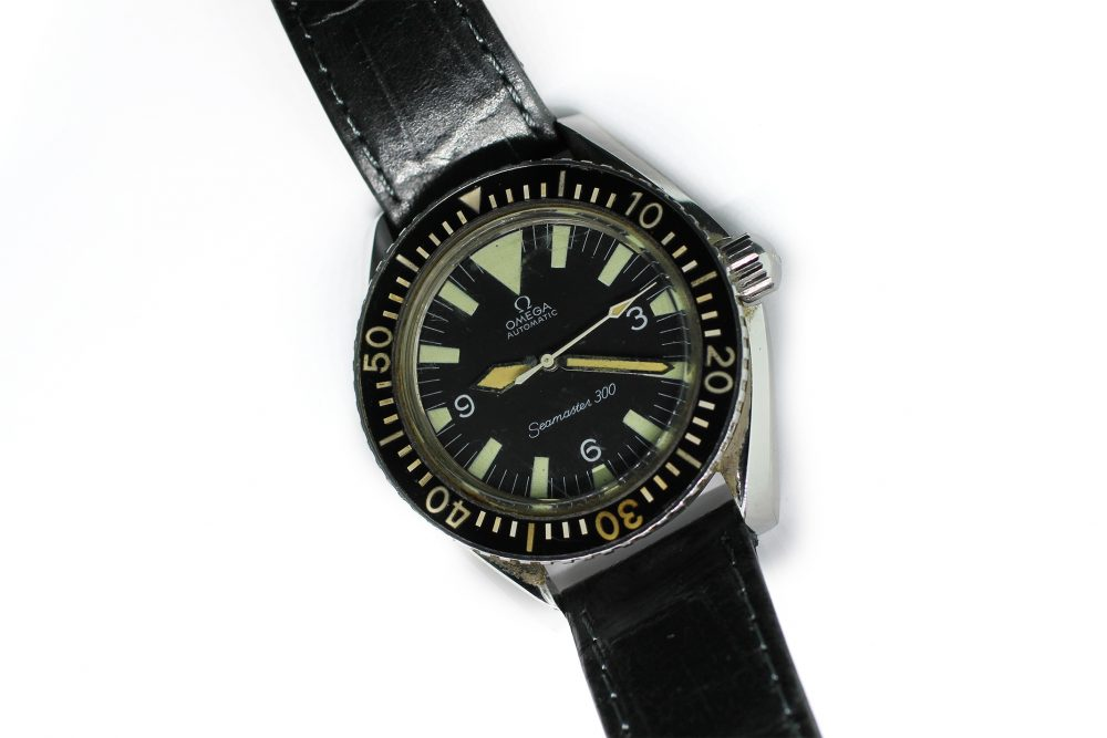 Vintage Omega Seamaster 300 Big Triangle 165.024 with Bakelite Bezel
