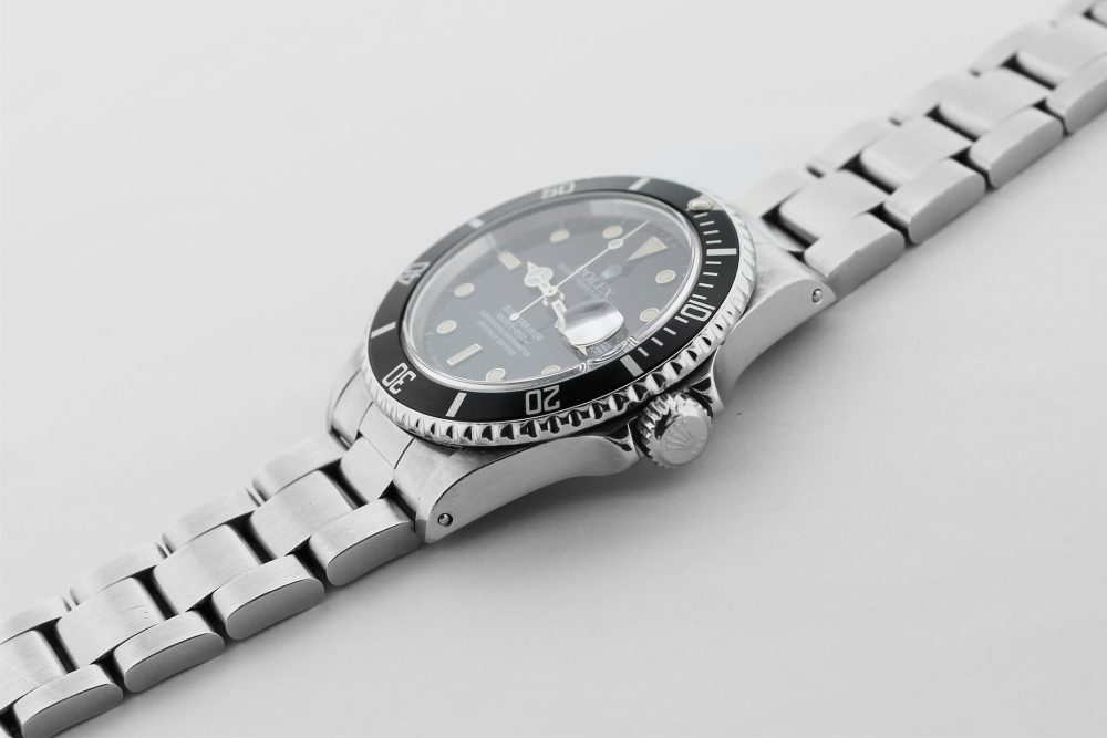 Rolex Steel Submariner 168000 with Box & Booklets